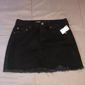 American Eagle Outfitters Skirts - Black AE skirt!